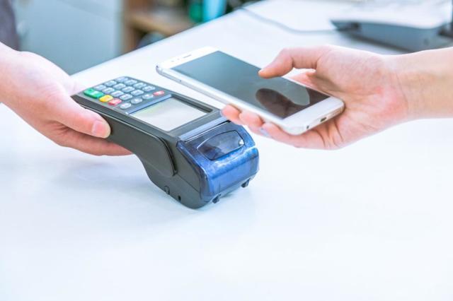 Электронные средства платежа: банковские карты и электронные кошельки